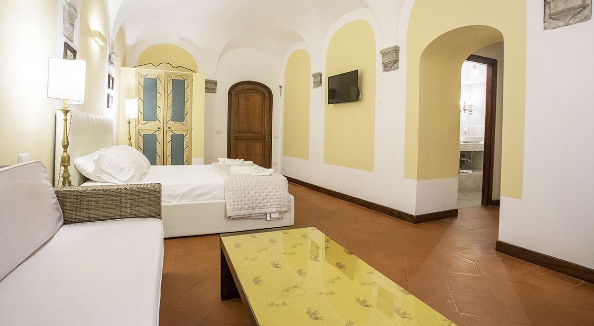 luxury-apartment-piazza-navona-room-2